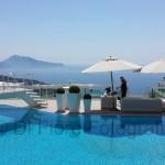 Fotografi matrimonio Napoli. Matrimonio a Sorrento, ricevimento nuziale in piscina. Villa Eliana.