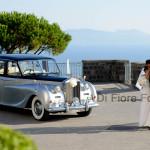 Fotografi matrimonio Napoli. Auto degli sposi. Roll Royce Princess per un matrimonio da favola