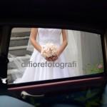 Fotografi matrimonio Napoli. Scatti spontanei matrimonio. L'emozione della sposa. Ecco la sposa!
