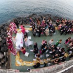 Fotografi matrimonio Napoli. Matrimonio estivo all'aperto a Posillipo. Cerimonia nuziale sulla terrazza panoramica di Villa Rocca Matilde
