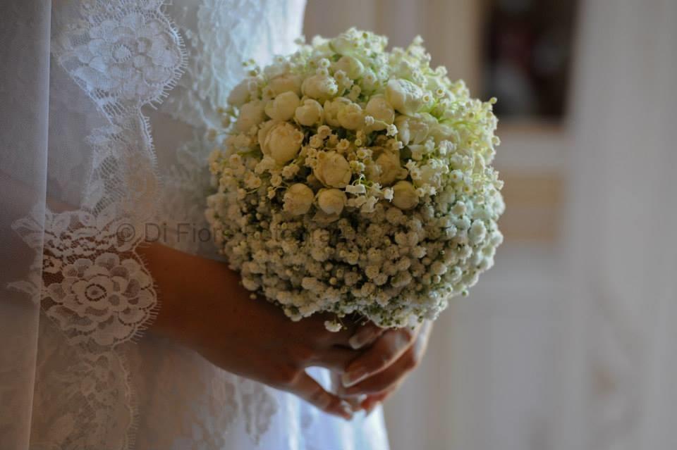 Bouquet Sposa Mughetto.Fotografi Matrimonio Napoli Bouquet Minimal Chic Roselline E