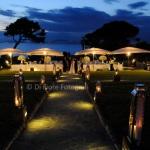 Indimenticabile matrimonio a Sorrento. L'atmosfera delle luci notturne a Villa Angelina.