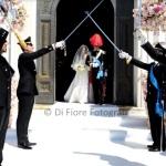Matrimonio indimenticabile a Sorrento. Picchetto d'onore all'uscita degli sposi dalla chiesa.