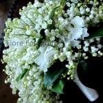 Il bouquet di mughetto per la sposa: un classico intramontabile per un matrimonio raffinato e romantico.