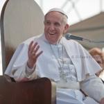 Tanti auguri di Buona Pasqua 2015 da Di Fiore Fotografi con le più belle frasi di Papa Francesco