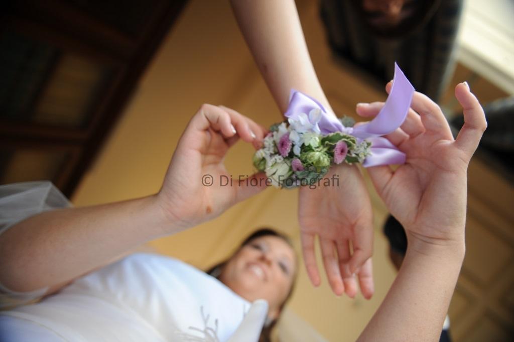 braccialetto floreale per testimoni di nozze