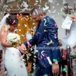 Tradizioni, usanze e mode del matrimonio. Il lancio dei coriandoli agli sposi.