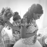 Momenti emozionanti del matrimonio. La preparazione della sposa