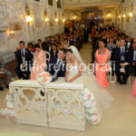 Matrimonio internazionale a Taormina. Le sedute e l'inginocchiatoio degli sposi.