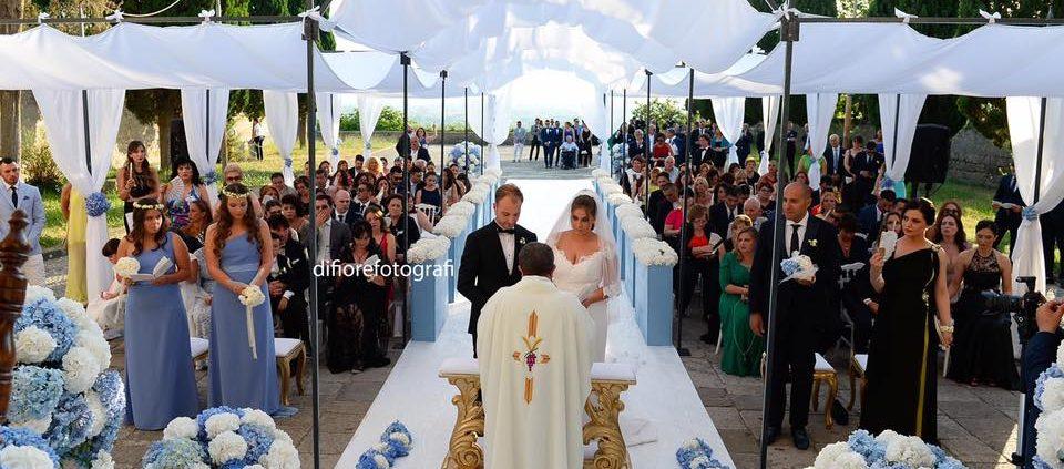 cerimonia all'aperto del rito religioso