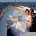 Sposarsi a Ischia. Arrivo degli sposi in barca all'Albergo Regina Isabella