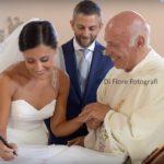 Momenti solenni delle nozze Le firme degli sposi e dei testimoni di nozze