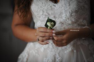 abito sposa con inserti in pizzo