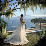 La magia del rito all'aperto : promesse d'amore sospese tra cielo e mare….